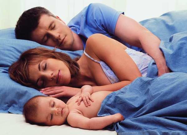 просыпаться по ночам для грудного ребенка – это нормально
