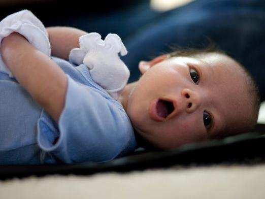 Почему икает новорожденный часто