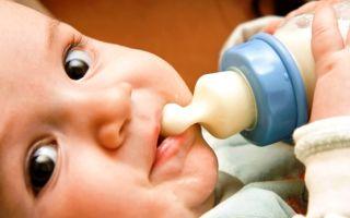 До какого возраста нужно и можно кормить смесью ребенка