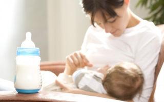 Можно ли смешивать в одной бутылочке грудное молоко и смесь и как правильно