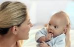 Когда новорожденный ребенок начинает видеть, нормы развития зрения по месяцам и отклонения