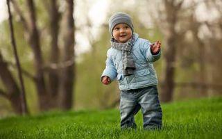 Сколько, в какое время и при какой температуре лучше всего гулять с грудным ребенком