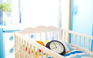 Режим дня по часам ребенка в 7 месяцев и примерный распорядок, процедуры и игры