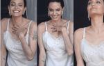 Анжелина Джоли вышла в одном нижнем белье в Париже