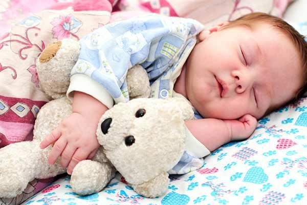 как уложить грудничка спать