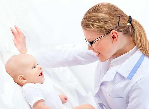 месячный ребенок у педиатра