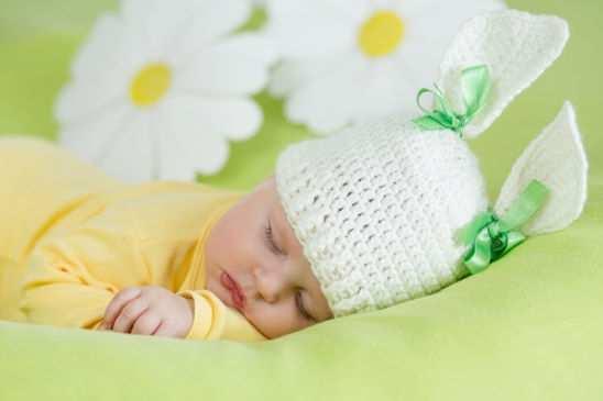 спать малыш должен исключительно в ровном положении