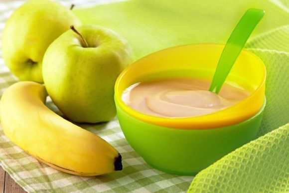 смесь из бананов и яблок