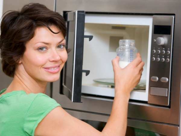 подогрев грудного молока в микроволновке запрещен