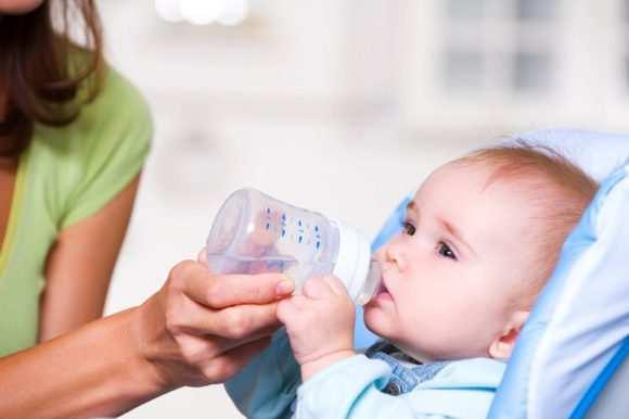 Даем ребенку много пить