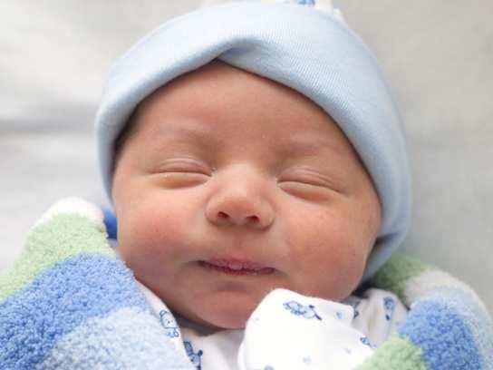 спит новорожденный ребенок