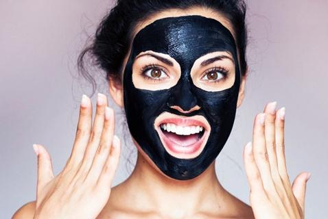 black mask на девушке