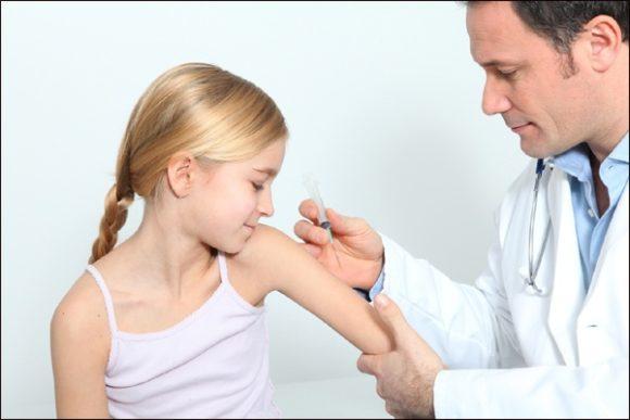 вакцинация девочки