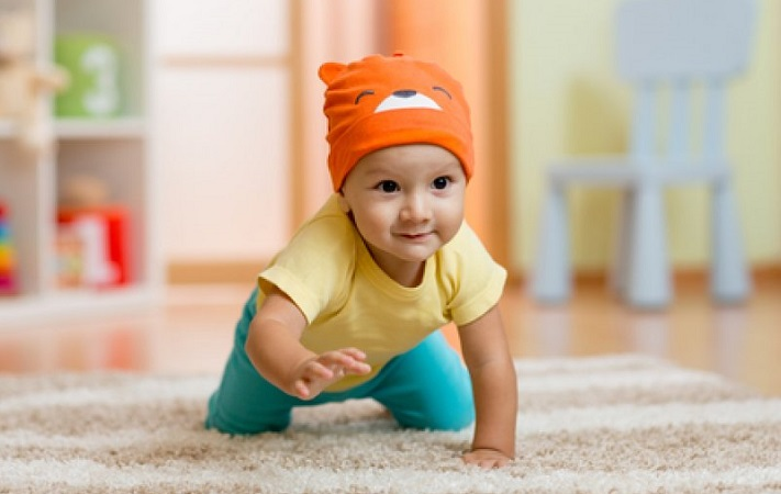 Что должен уметь делать ребенок в 7 месяцев, как с ним играть и норма развития