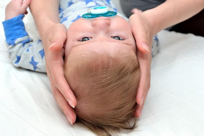 родничек у младенцев