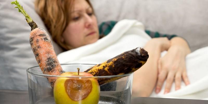 можно ли кормить грудью при отравлении