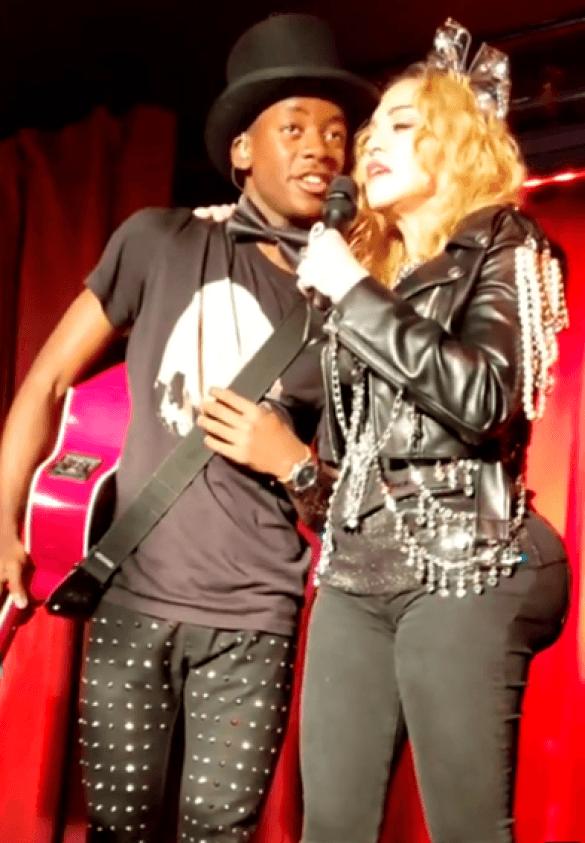 Мадонна шокировала публику неудачной пластикой