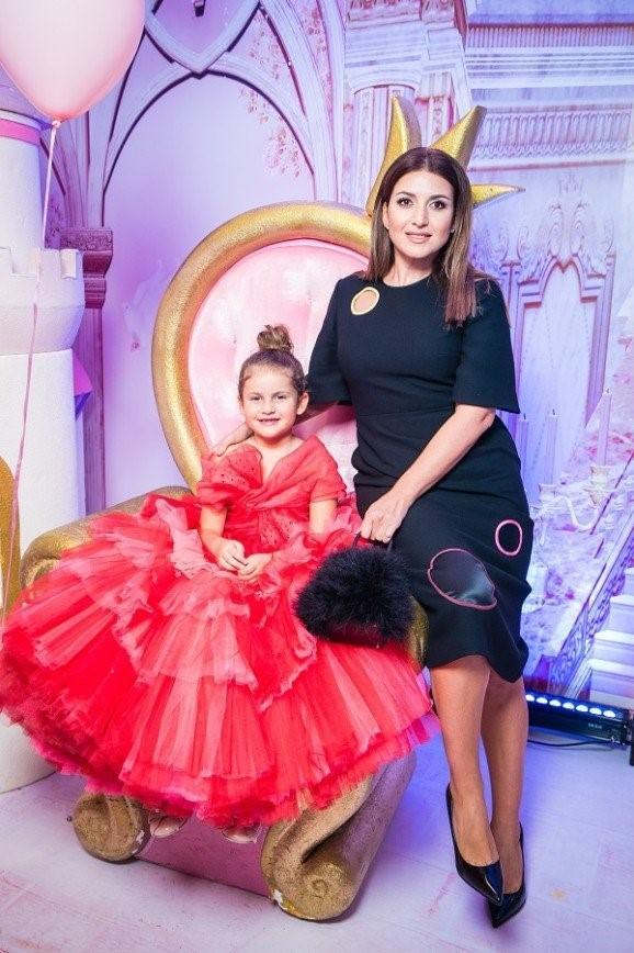 Звездные дети поучаствовали в показе 5-летнего модельера Саши Ким