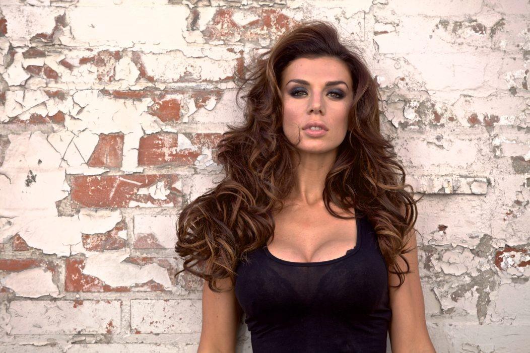 Анна Седакова умоляет вернуть в шоу «Песни» певца, который исполнил настоящий хит