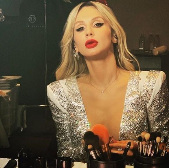 Светлана Лобода обещает выпустить новый клип ко дню Святого Валентина