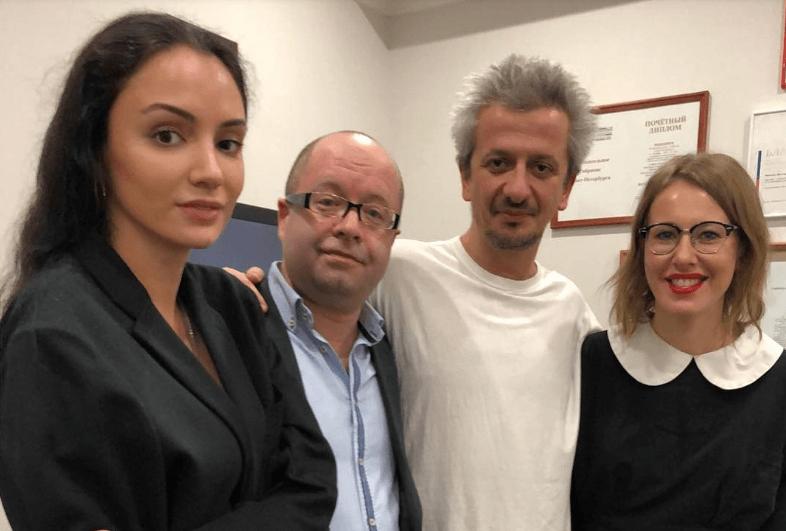 Теперь у Богомолова: Ксения Собчак поспешила на премьеру возлюбленного