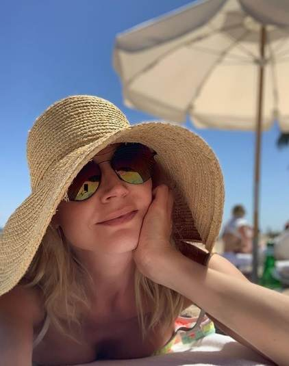 Женщины за сорок завидуют: Кристина Орбакайте разместила фото без макияжа