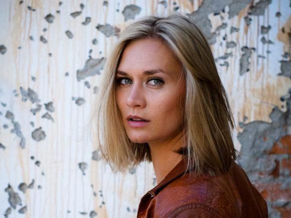 Тоже в блонд: Мария Машкова поддержала тенденцию звезд осветлять волосы к весне