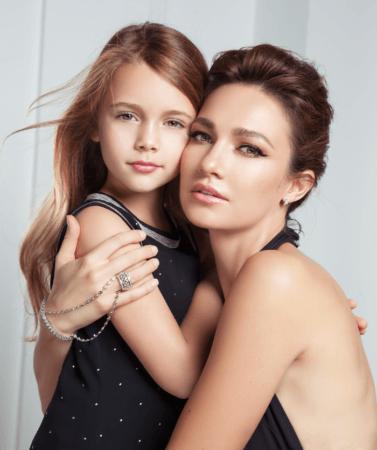 В Голливуд с ранних лет: дочь Евгении Брик и Тодоровского дебютирует в кино