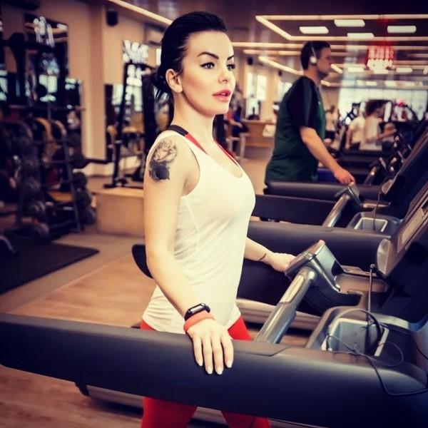 На весах 45 килограмм: Юлия Волкова рассказала, как ей удалось похудеть