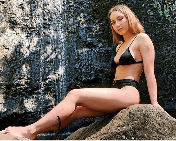 Дочь Эминема совсем выросла: Хэйли Скотт опубликовала снимки в бикини