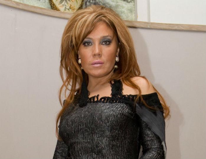 Не зря поймала букет: певица Азиза в 55 лет выходит замуж