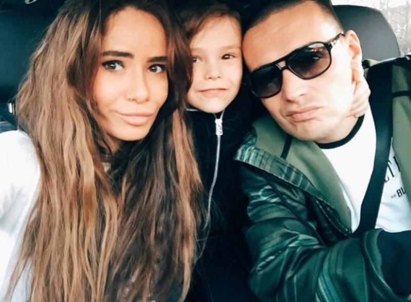 Айза Анохина: «Гуф ни копейки мне не дает на ребенка, да я и не беру!»