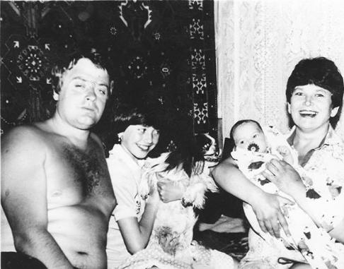 Наталья Фриске вновь выставила домашнее фото с сестрой