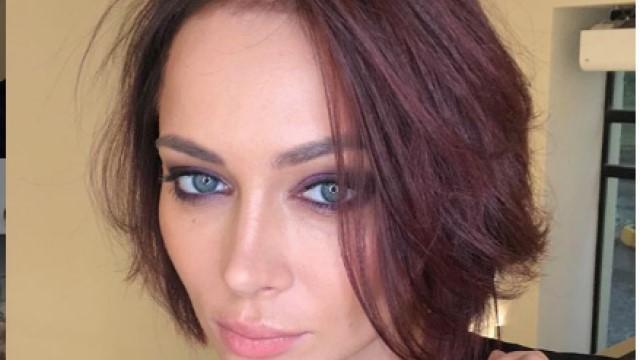Анастасия Самбурская сообщила поклонникам, что вновь одинока