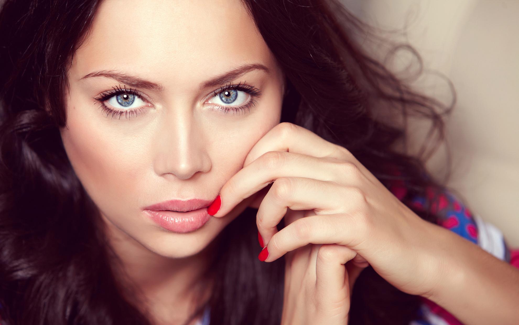 Анастасия Самбурская не понравилась музыкальному продюсеру – ее выступления исчезли с канала