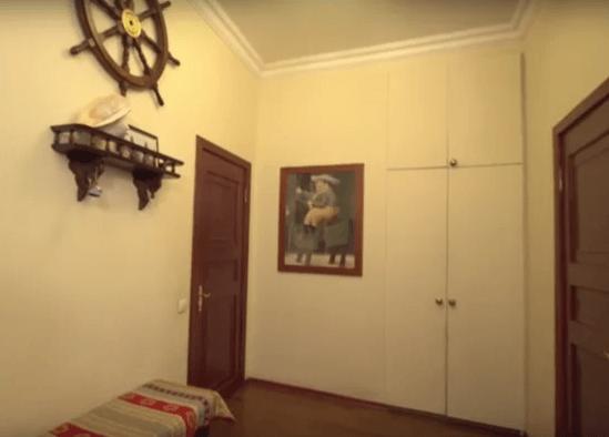 «Идеальный ремонт» переделал квартиру Сергея Степанченко. Увидев интерьер, актер не смог сдержать эмоций