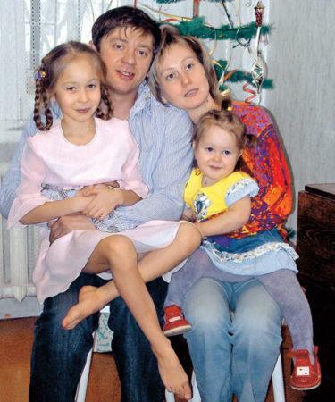 На ком женат актер из «Уральских пельменей» Брекоткин?