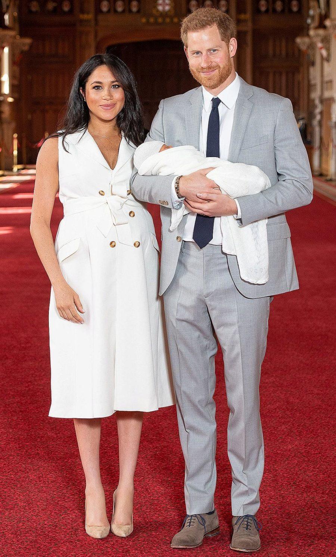 Социальные сети краснеют за королевскую семью, в связи с рождением ребенка у Меган и Гарри