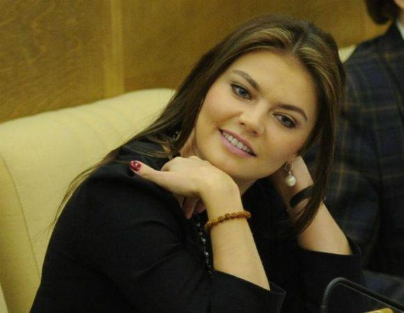 Алина Кабаева стала мамой двойни
