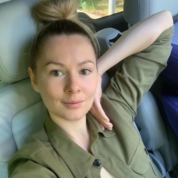 «Не на двадцать пять лет, конечно» – поклонники осадили Марию Кожевникову