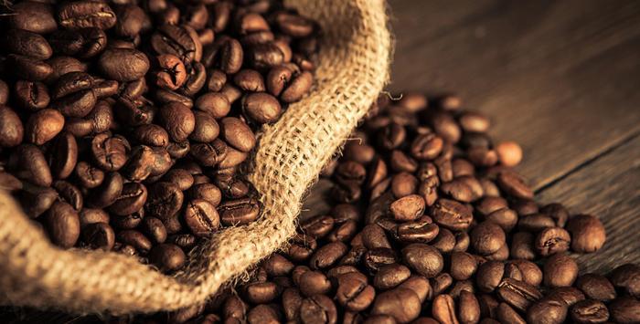 Кофе много